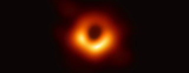 Abril 2019: Un agujero negro...sin pelos.